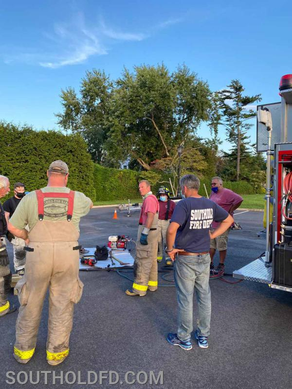 Heavy rescue and extrication tool operations